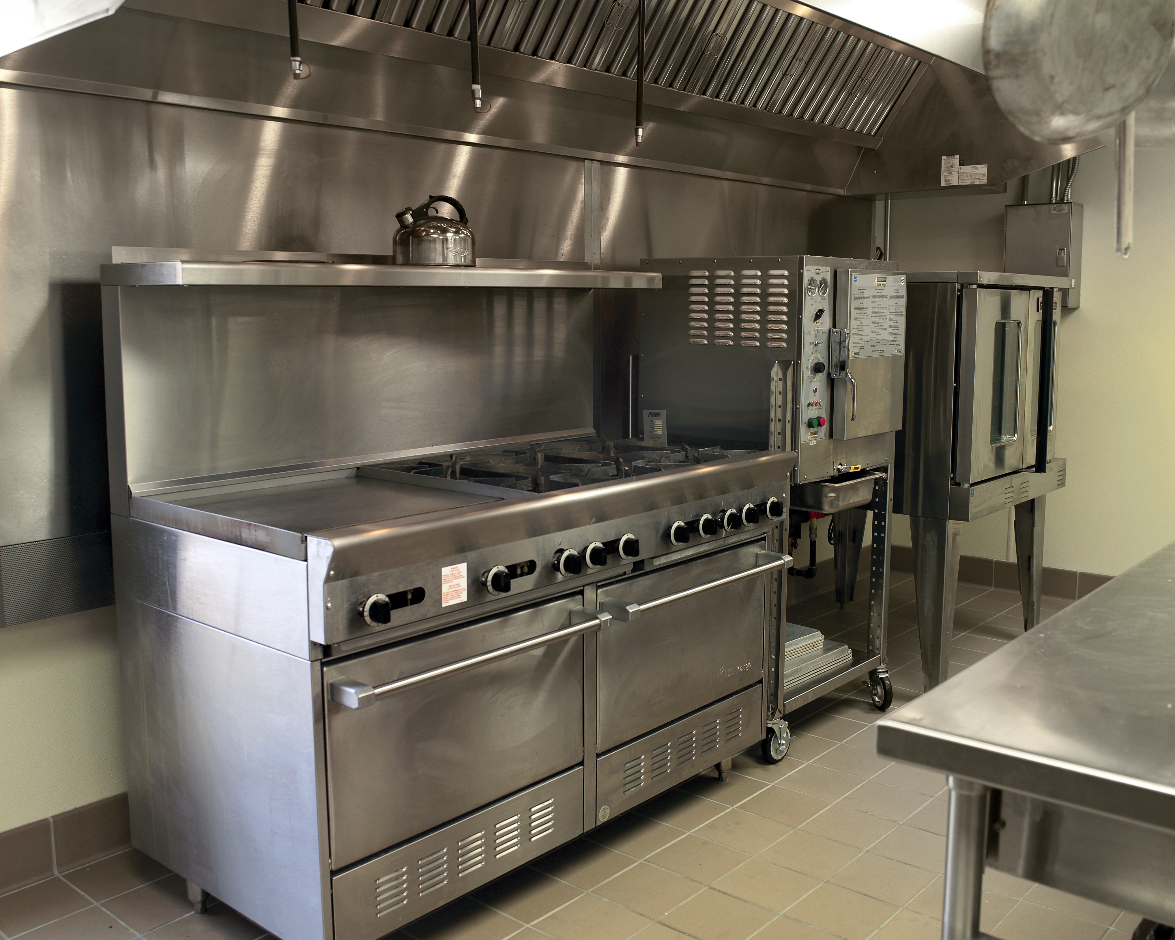 Saving kitchen hood from grease and soot 87